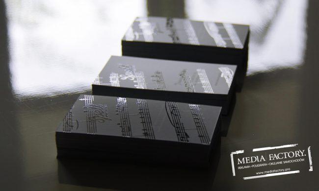 wizytowka SPELL JAZZ folia mat lakier wybiórczy punktowy UV czarno białe black white 2