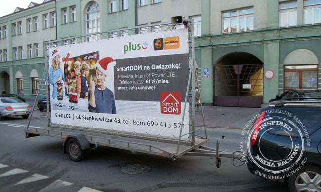przyczepa reklamowa Siedlce baner naglosnienie samochod z kierowca 5