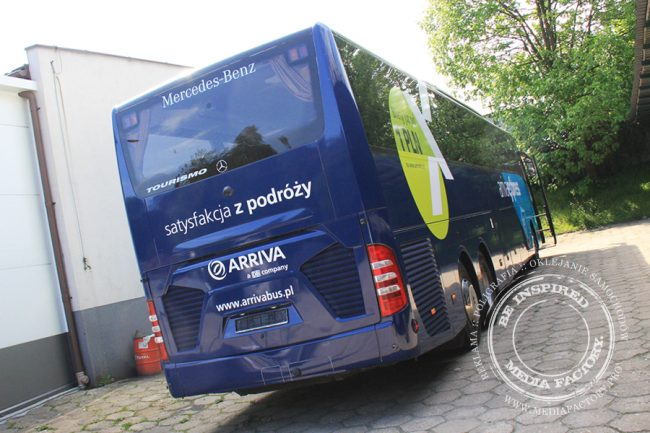 Arriva autobus Mercedes Tourismo folia wylewana do zmiany koloru auta oklejanie 11