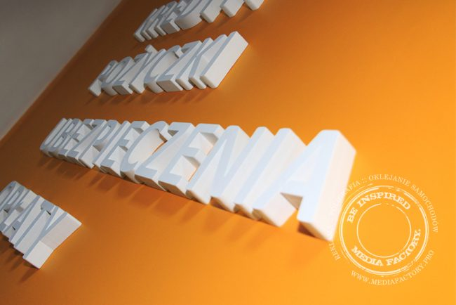 styrodur logo na sciane 3d malowane QS 10