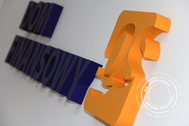 styrodur logo na sciane 3d malowane QS 5