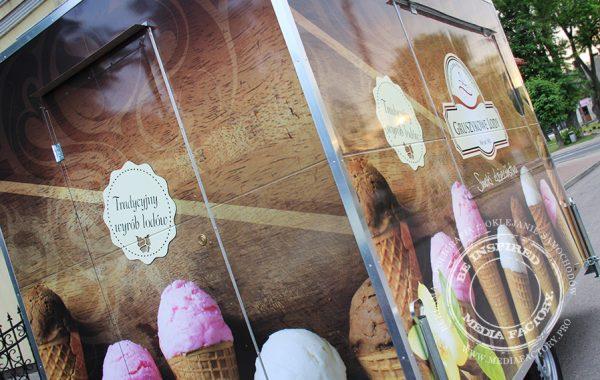 Gruszykowe Lody – Przyczepa gastronomiczna